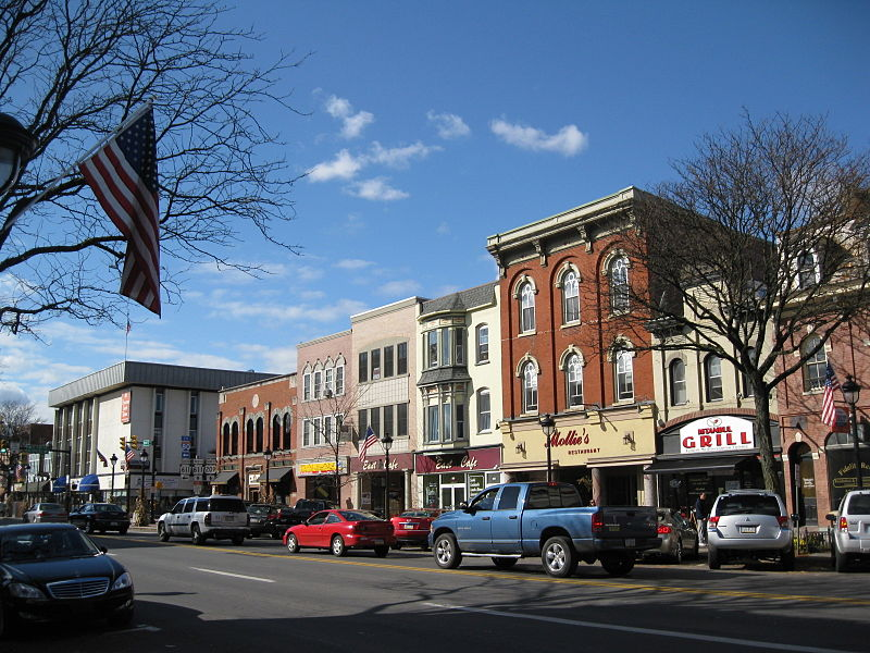 Main Street Stroudsburg - Wikipedia Commons
